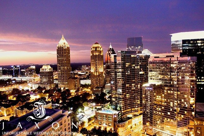 Midtown Atlanta Skyline from the rooftop at the Peachtree Club| Peachtree Club Roof top Weddings