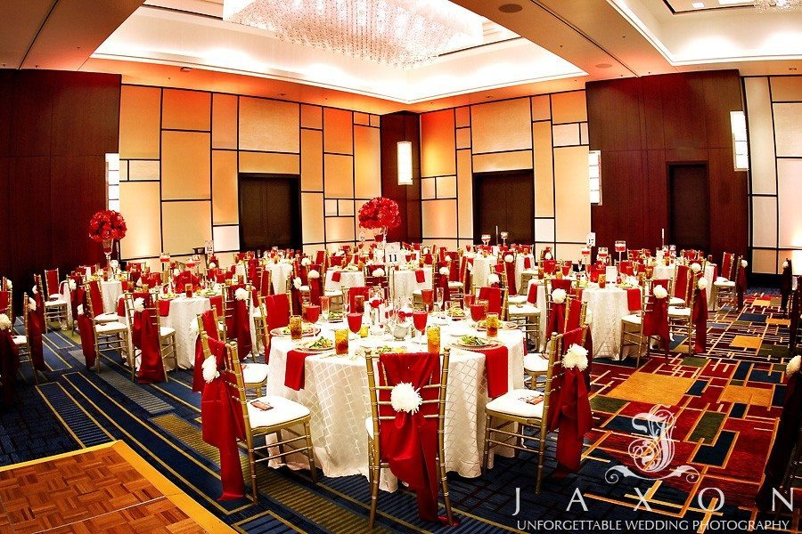 Wind angle photograph of ballroom  Atlanta Airport Marriott Gateway Wedding