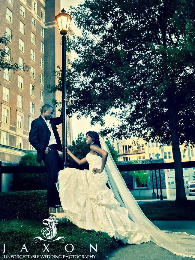 Couple on the lamp post outside the Biltmore Ballrooms in Atlanta