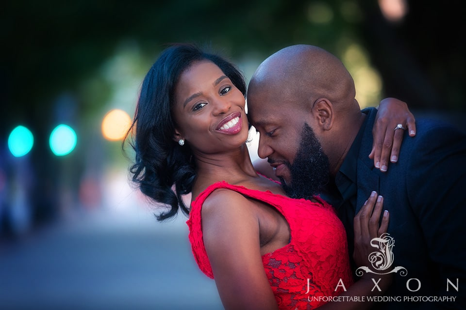 engagement pictures at Atlanta's Centennial Olympic Park